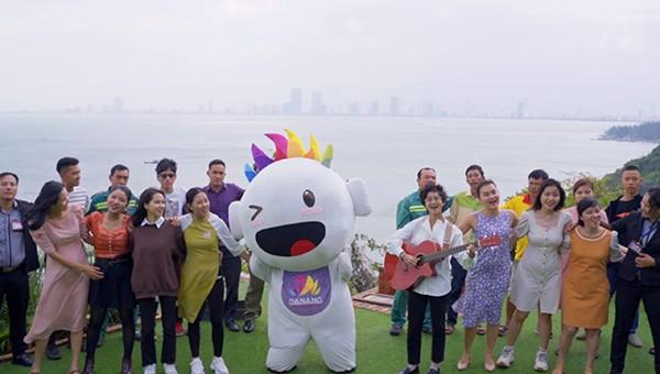 Hình ảnh trong MV Đà Nẵng nhớ bạn do Trung tâm Xúc tiến Du lịch Đà Nẵng quản lý, vừa phát hành