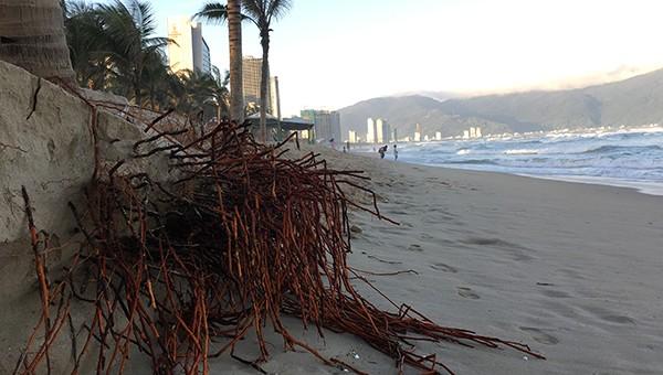 Sạt lở bãi biển Đà Nẵng diễn ra nhiều tháng qua