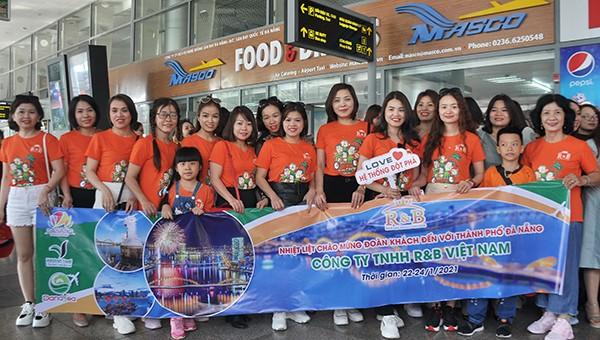 Đoàn khách du lịch MICE đến Đà Nẵng.