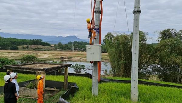Quảng Ngãi đưa vào sử dụng công trình cấp điện cho xã vùng cao