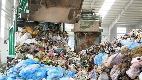 Tình trạng tồn ứ rác sinh hoạt trên địa bàn tỉnh Quảng Ngãi liên quan đến sự chậm trễ của Dự án Nhà máy xử lý rác thải Nghĩa Kỳ.