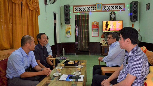 Công đoàn EVNCPC và PC Quảng Ngãi thăm hỏi động viện cán bộ nhân viên PC Quảng Ngãi.