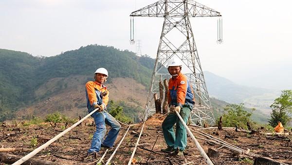 Quảng Ngãi: Đảm bảo cung cấp điện cho dân trong thời gian thi công đường dây 500kV Dốc Sỏi – Pleiku2