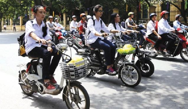 Không chấp hành an toàn giao thông làm tăng nguy cơ tai nạn khi đi xe đạp điện