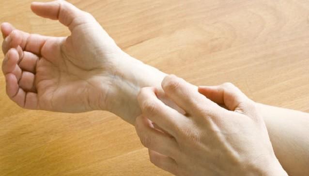 Bệnh gan: Dấu hiệu cảnh báo bằng ngứa kéo dài