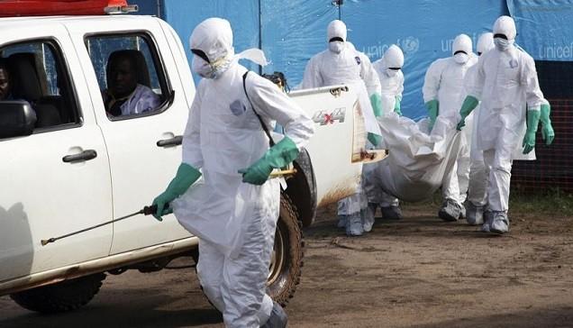 """Tây Phi """"bấn loạn"""" vì hàng chục bệnh nhân Ebola biến mất"""