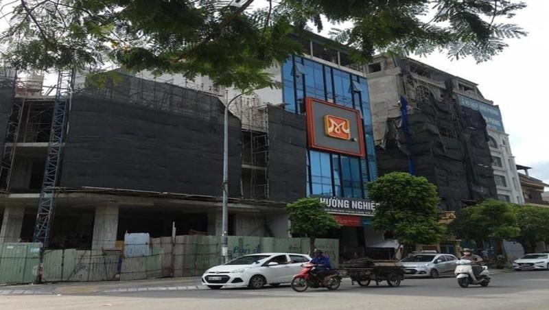 Hà Nội: Nhiều dấu hiệu sai phạm xây dựng phá vỡ quy hoạch tại phường Dịch Vọng