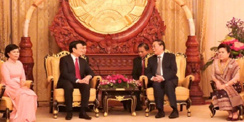 Chủ tịch nước Trương Tấn Sang và Phu nhân cùng Đoàn cấp cao đã tới Viêng-chăn bắt đầu chuyến thăm và làm việc tại CHDCND Lào