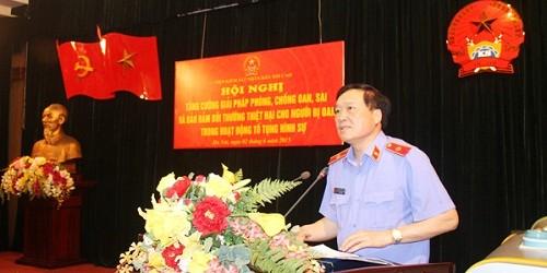 Đ/c Nguyễn Hòa Bình, Ủy viên Trung ương Đảng, Viện trưởng VKSNTC phát biểu khai mạc Hội nghị trực tuyến.