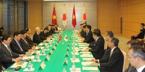 Tổng Bí thư Nguyễn Phú Trọng hội đàm với  Thủ tướng Nhật Bản Shinzo Abe.