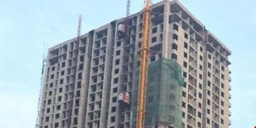 Công trình xây dựng chung cư cao tầng số 62 Nguyễn Huy Tưởng đang trong quá trình hoàn thiện.