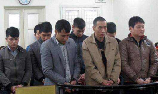 Các bị cáo tại tòa (Ảnh Việt Đức/ VOV)