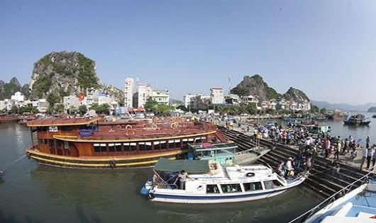 Huyện đảo Vân Đồn (Quảng Ninh): Hướng đến du lịch sinh thái biển đảo