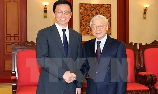 Tổng Bí thư Nguyễn Phú Trọng tiếp ông Hàn Chính, Ủy viên Bộ Chính trị, Bí thư thành phố Thượng Hải (Trung Quốc) đang ở thăm Việt Nam. (Ảnh: Trọng Đức/TTXVN)