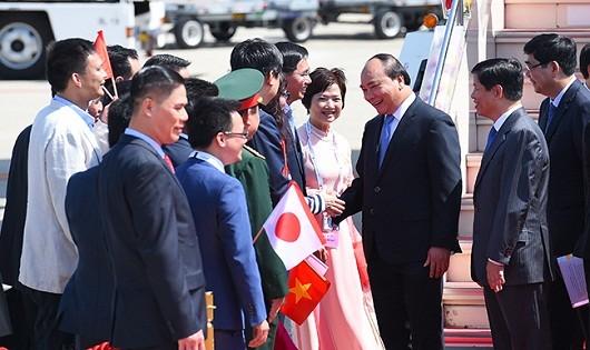 Đón tiếp Thủ tướng Nguyễn Xuân Phúc tại sân bay Chubu-Nagoya.