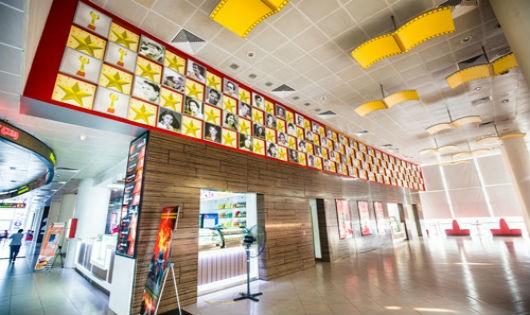 Trung tâm Chiếu phim quốc gia tự làm mới mình bằng cách hợp tác với một số đơn vị kinh doanh tư nhân trong rạp.