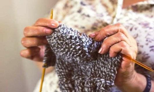 Nhớ tấm áo mẹ đan năm xưa