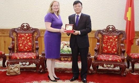 Việt Nam - Ai-len: Tăng cường quan hệ hợp tác về tư pháp và pháp luật