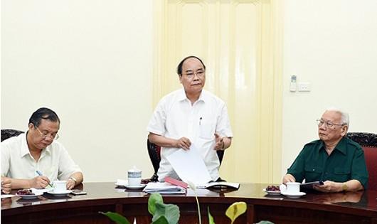 Thủ tướng Nguyễn Xuân Phúc chỉ đạo tại buổi làm việc.