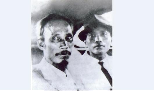 Bức ảnh Chủ tịch Hồ Chí Minh cùng Đại tướng Võ Nguyên Giáp do nghệ sĩ nhiếp ảnh Vũ Năng An chụp ngày 2/9/1945.
