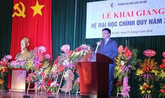 Bộ trưởng Lê Thành Long phát biểu tại Lễ khai giảng Đại học Luật Hà Nội.