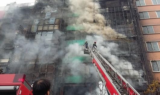 Thực hiện ngay 4 nhiệm vụ sau vụ cháy tại phố Trần Thái Tông