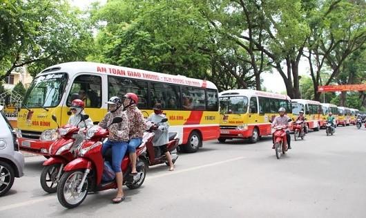Sợ khi lãnh đạo có ý tưởng cho xe bus lưu thông vào làn xe máy giờ cao điểm
