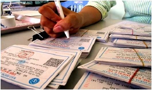 Hà Nội cấp thẻ BHYT cho trẻ em chỉ một ngày