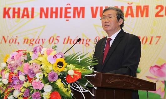 Ông Đinh Thế Huynh phát biểu tại hội nghị.