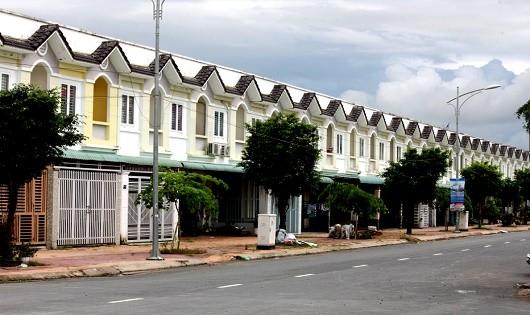 """Nhiều căn nhà trong KDC Thường Thạnh mua đã lâu nhưng giấy tờ thì chẳng có, không khác gì đang ở """"chui""""."""