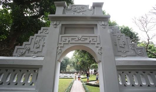 Ông Lê Xuân Kiêu (Giám đốc Trung tâm Hoạt động văn hóa khoa học Văn Miếu) cho biết, quét vôi mới nhưng nét truyền thống của các di tích vẫn giữ, không có thay đổi.