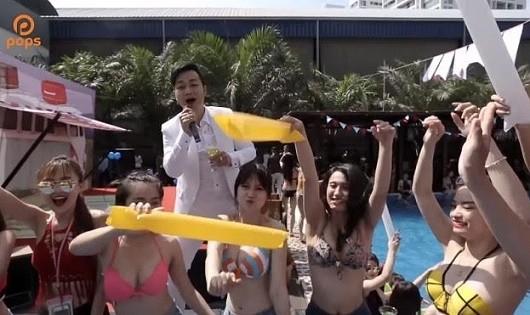 """MV mặc bikini hát bolero remix... bị công chúng """"ném đá""""."""