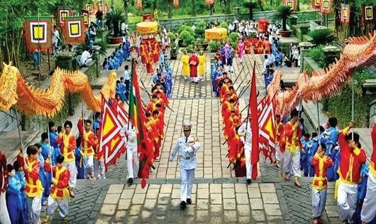 Giỗ Tổ Hùng Vương- Lễ hội Đền Hùng trang nghiêm, hấp dẫn.