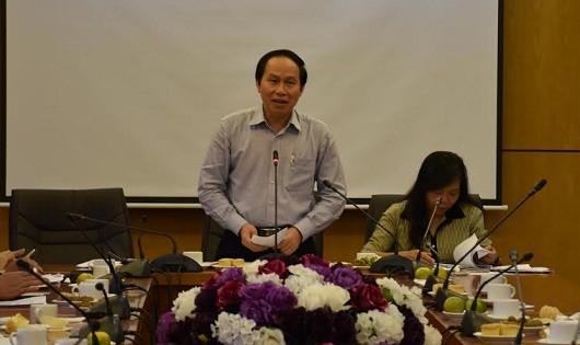 Thứ trưởng Lê  Tiến Châu phát biểu tại cuộc họp.