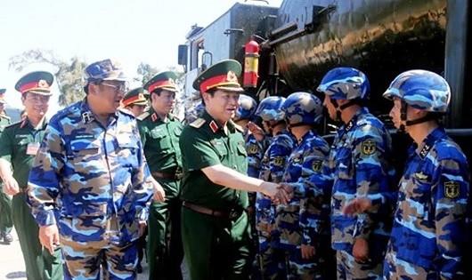 Bộ Quốc phòng kiểm tra công tác huấn luyện, sẵn sàng chiến đấu của Quân chủng Hải quân
