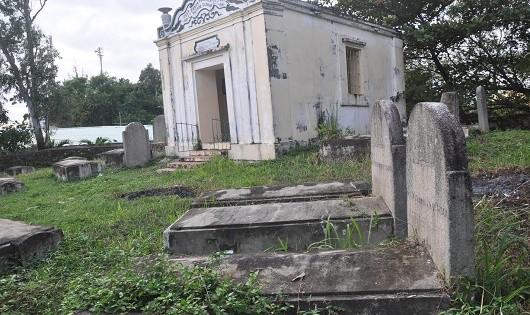 Bí ẩn khu nghĩa trang lính Tây trên bán đảo Sơn Trà
