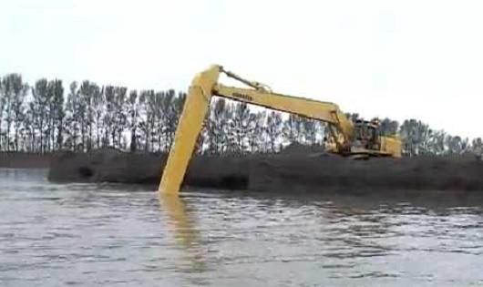Dự án nạo vét cửa sông:  Khơi thông luồng lạch  hay lợi dụng khai thác cát, sỏi?