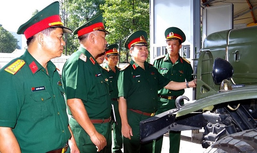 Tăng cường giáo dục pháp luật, đảm bảo an toàn vận tải quân sự