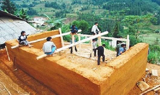 Khám phá kiến trúc làm nhà trình tường cổ xưa của người Dao