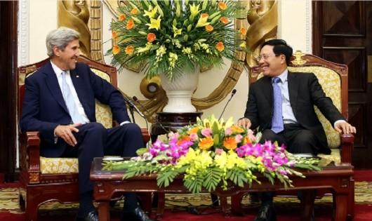 Phó Thủ tướng Phạm Bình Minh tiếp cựu Ngoại trưởng Mỹ Kerry