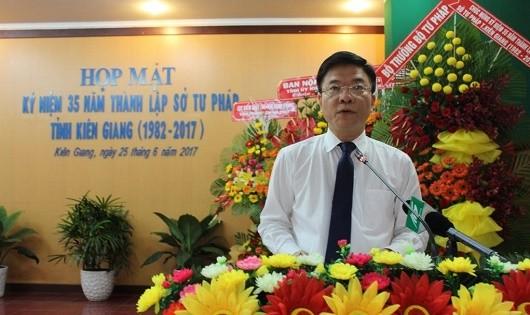 Bộ trưởng Lê Thành Long dự Lễ kỉ niệm  35 năm thành lập Sở Tư pháp tỉnh Kiên Giang