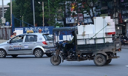 Cấm xe 3 bánh tại Hà Nội: Cần giải pháp hỗ trợ?