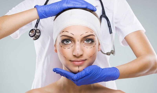 Phẫu thuật đổi khuôn mặt - Hệ lụy pháp luật khôn lường