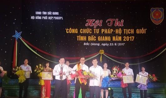 Chung kết hội thi công chức tư pháp - hộ tịch giỏi Bắc Giang năm 2017