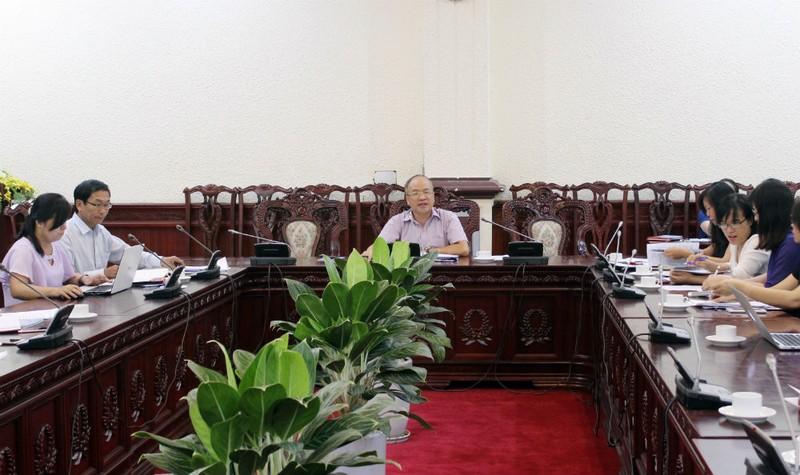 Thứ trưởng Bộ Tư pháp Phan Chí Hiếu chủ trì cuộc họp thẩm định