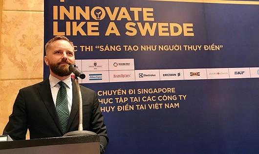 Bí thư thứ hai của Đại sứ quán Thụy Điển Johan Alvin phát biểu tại lễ phát động