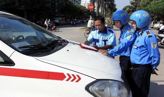 """Thời gian tới các ngành chức năng cần xử lý nghiêm những hành vi """"bắt chẹt"""" khách, để tránh ảnh hưởng đến những lái xe taxi đang làm ăn chân chính (Ảnh chỉ có tính chất minh họa)"""