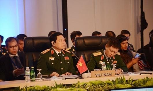 Đại tướng Ngô Xuân Lịch dự Hội nghị Bộ trưởng Quốc phòng ASEAN ở Philippines