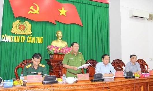 Đại tá Nguyễn Văn Thuận, Phó Giám đốc Công an TP Cần Thơ phát biểu tại buổi làm việc.
