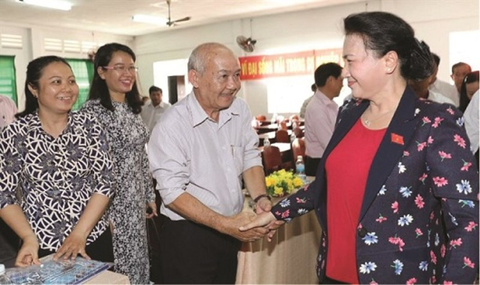 Chủ tịch QH Nguyễn Thị Kim Ngân trong buổi tiếp xúc cử tri TP Cần Thơ.